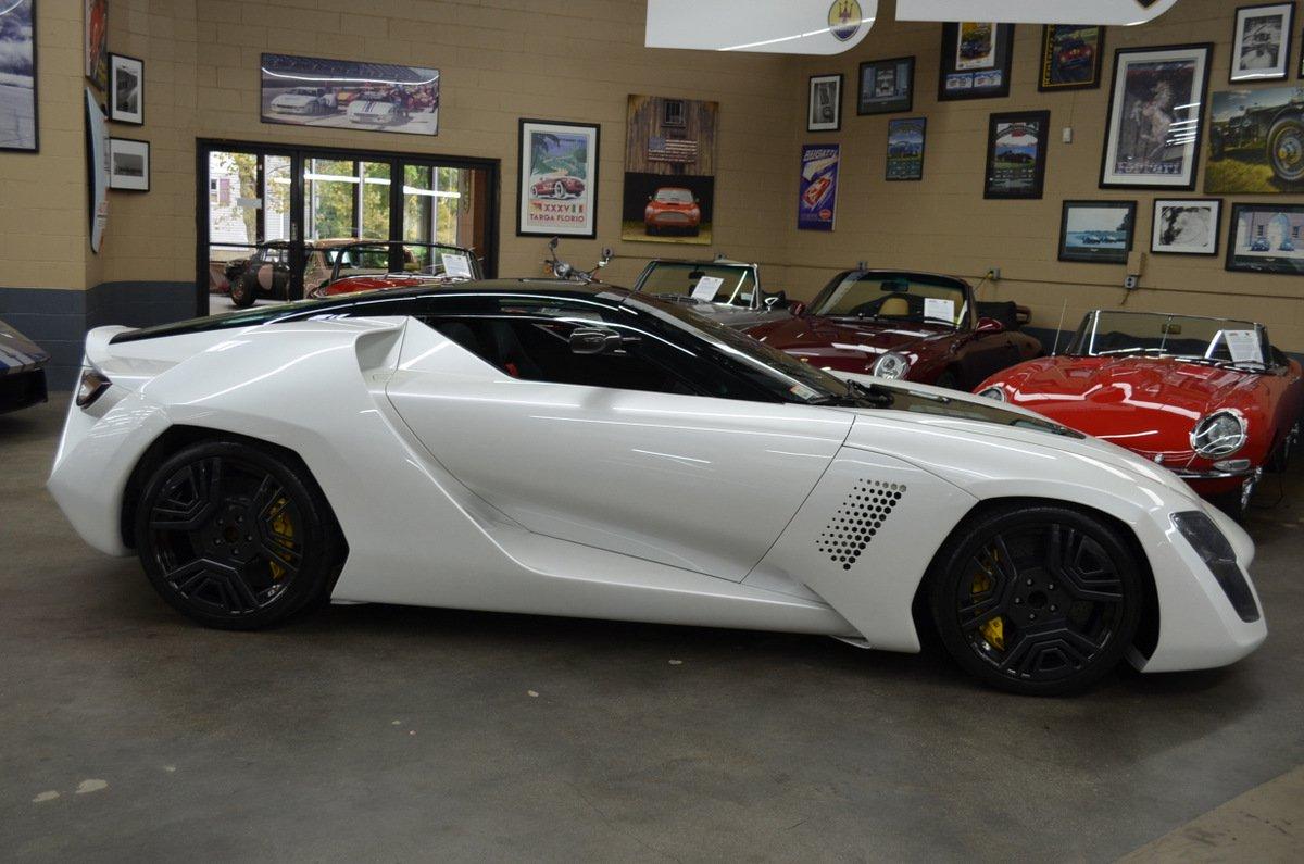 На продажу выставлен единственный в своем роде Mantide, созданный на базе Corvette ZR1 поколения C6. Проектированием спорткара занимался дизайнер Джейсон Кастриота, а за постройку отвечала итальянская мастерская Stile Bertone.