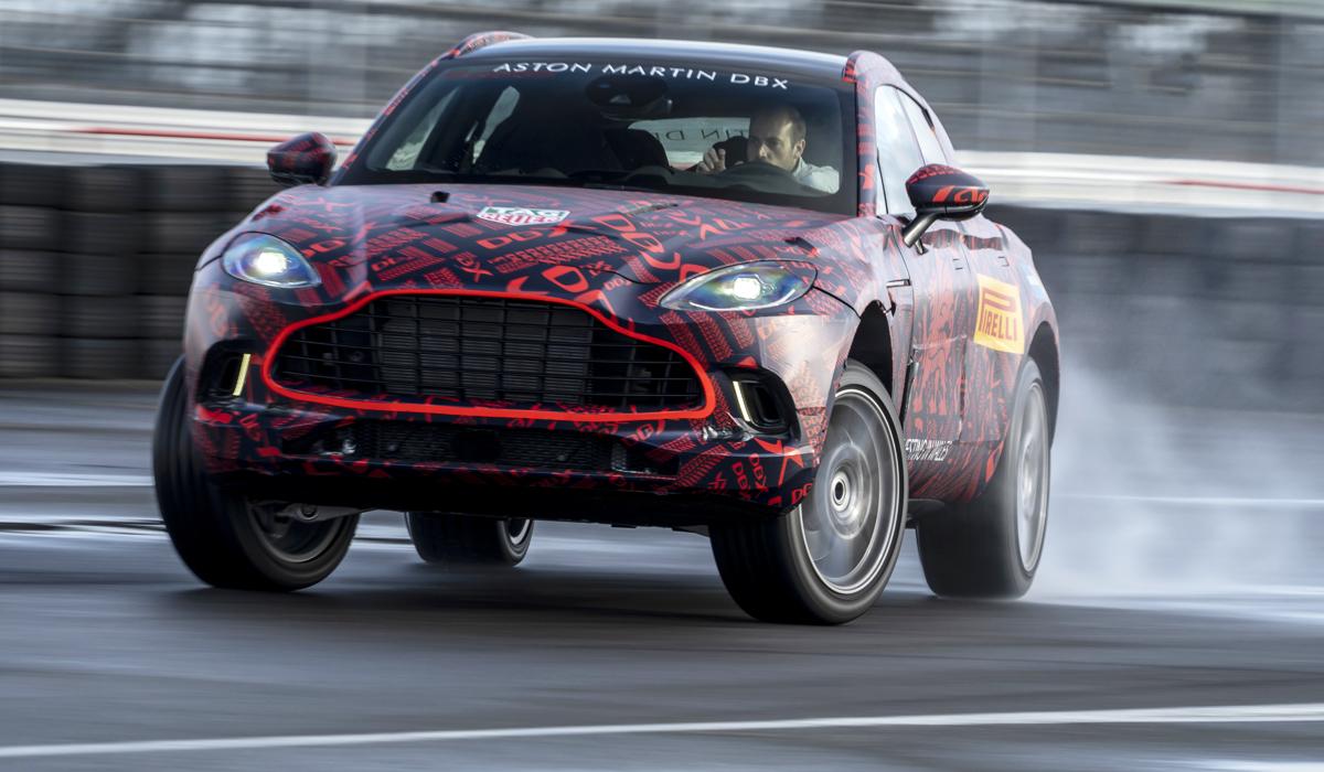 Премьера первого кроссовера марки Aston Martin – DBX – запланирована на декабрь. Однако уже сейчас в Москве состоялась первая в Европе закрытая презентация новинки для журналистов и потенциальных покупателей. Кроме того, автопроизводитель раскрыл некоторую информацию о модели.
