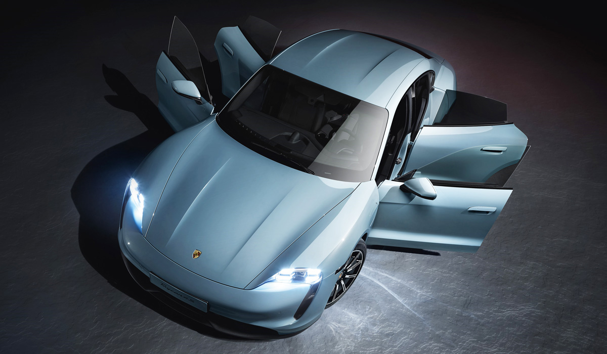 Porsche has presented the entry-level modification of its first electric car: the Taycan 4S.
