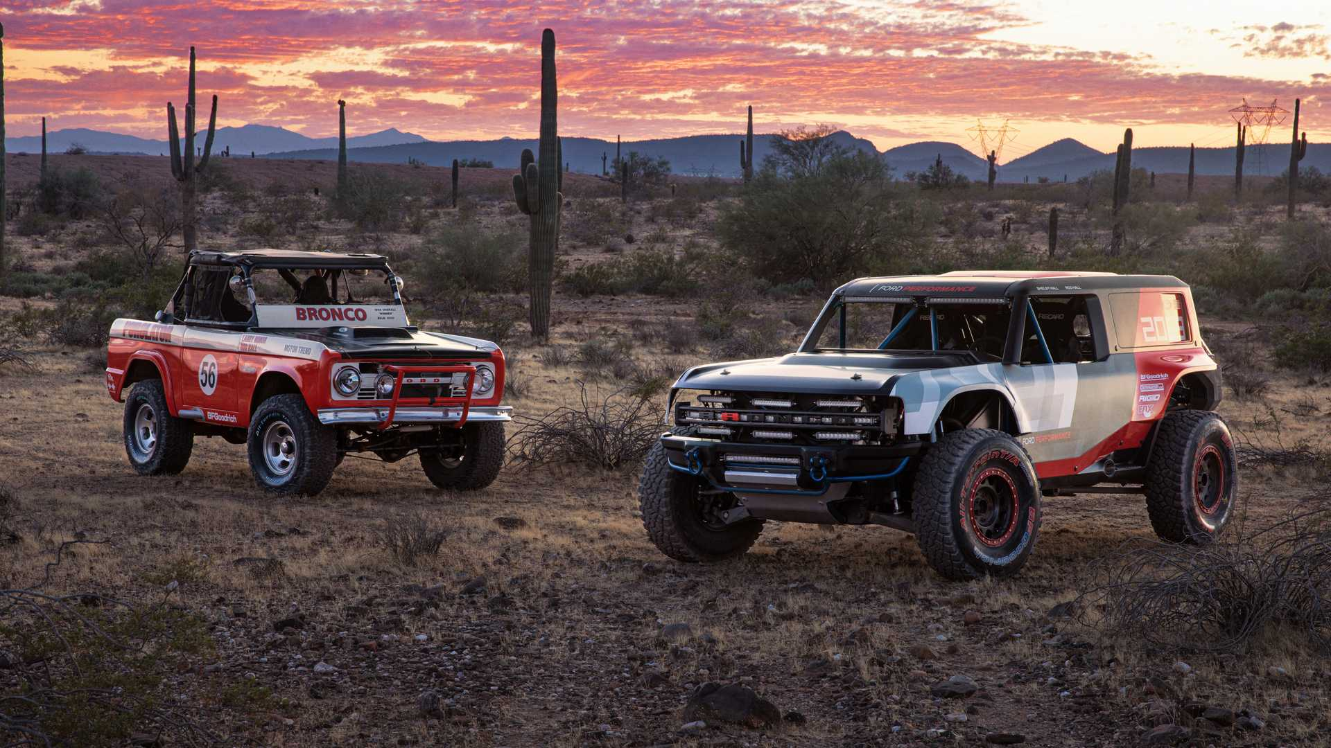 Ford continues working on its upcoming new SUV, the Bronco. Despite the fact that the car isn't even out yet, the company has built a rally version of it and is already testing it in the desert.