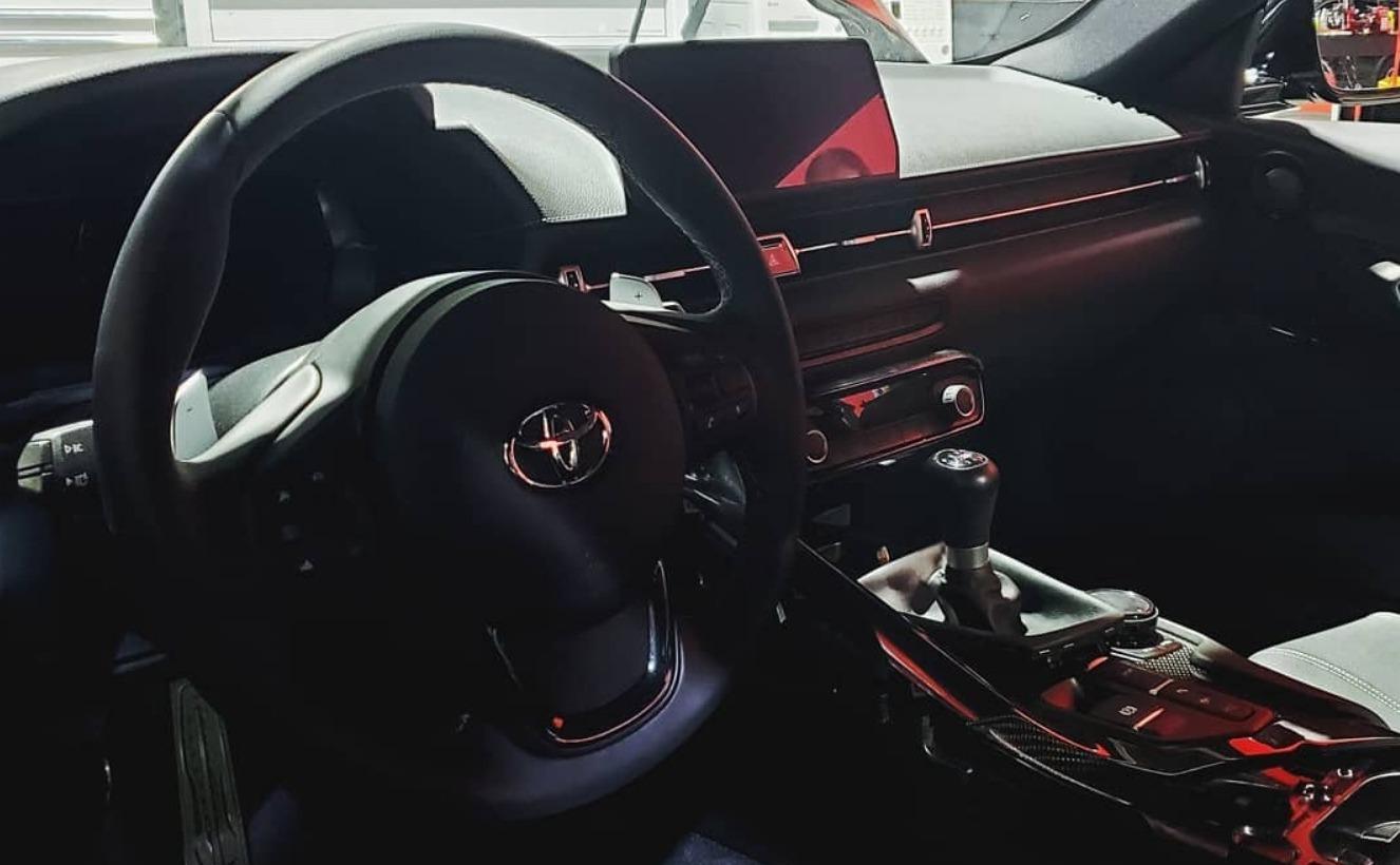 К выставке SEMA тюнер European Auto Group подготовил первую в мире «Тойоту Супру» с тремя педалями. Взглянем?