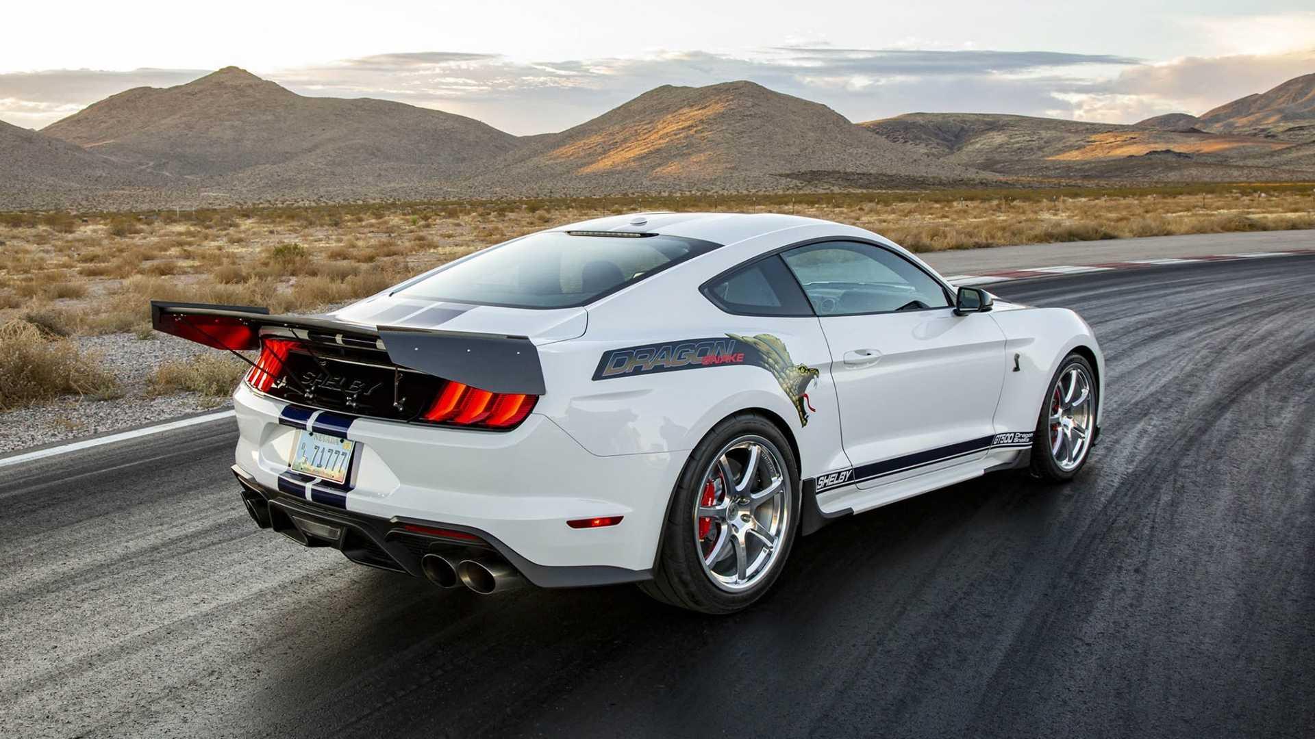 Компания Shelby American специально для тюнинг-шоу SEMA создала сразу два безумных проекта на базе серийных моделей марки Ford – пикапа F-150 Raptor и спорткара Mustang.
