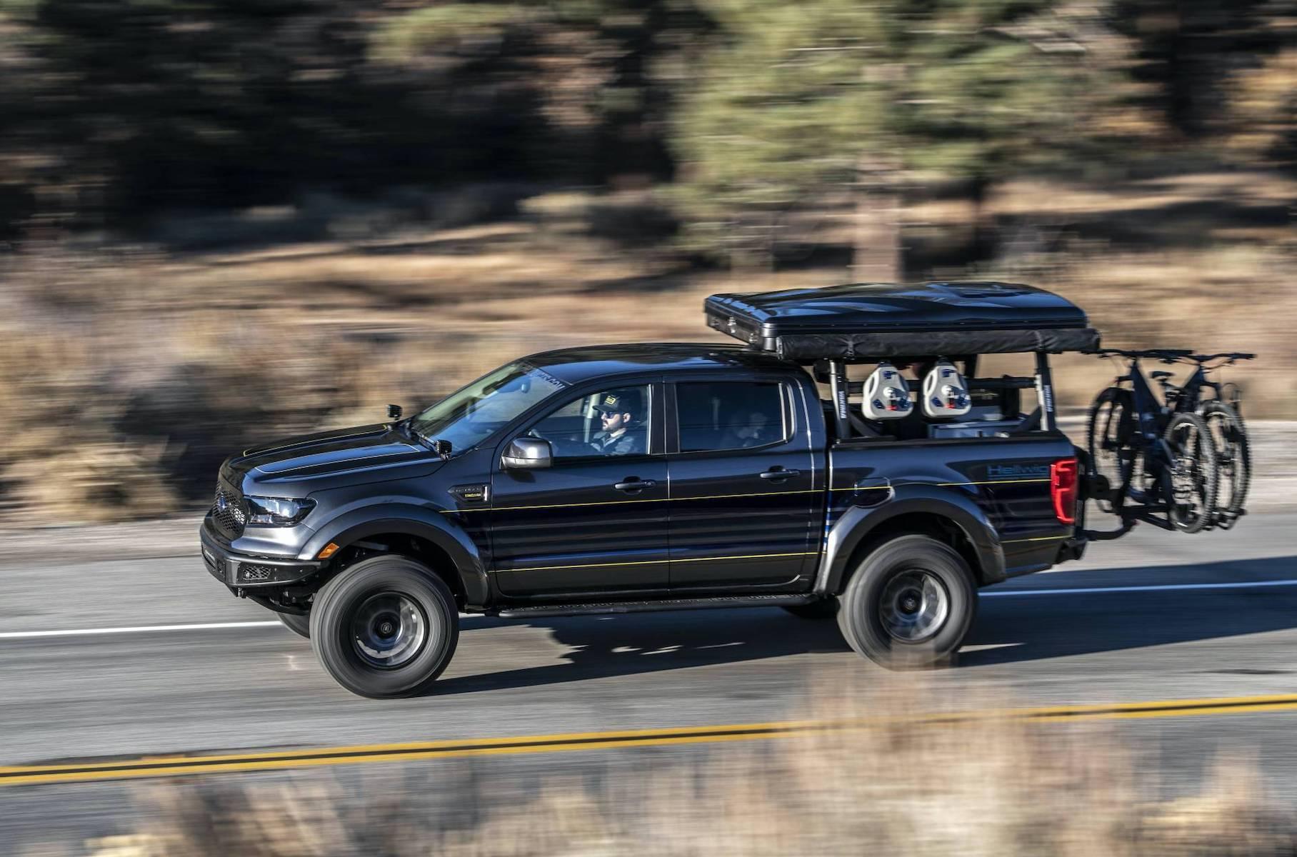 На тюнинг-шоу SEMA дебютировал «грузовик для приключений», созданный в стенах ателье Hellwig Products на базе Ford Ranger XLT актуального модельного года.