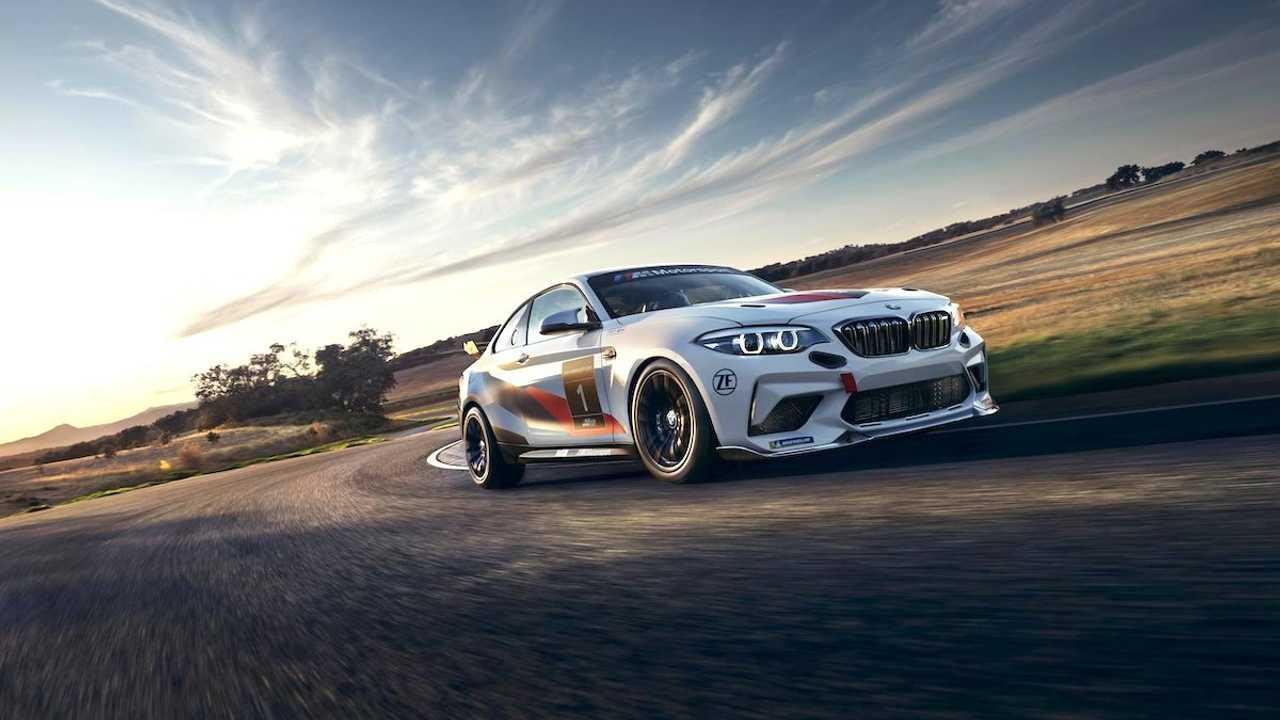 Буквально пару дней назад была представлена самая мощная модификация купе BMW M2 с обозначением CS, а уже сейчас появилась её информация о гоночной версии.
