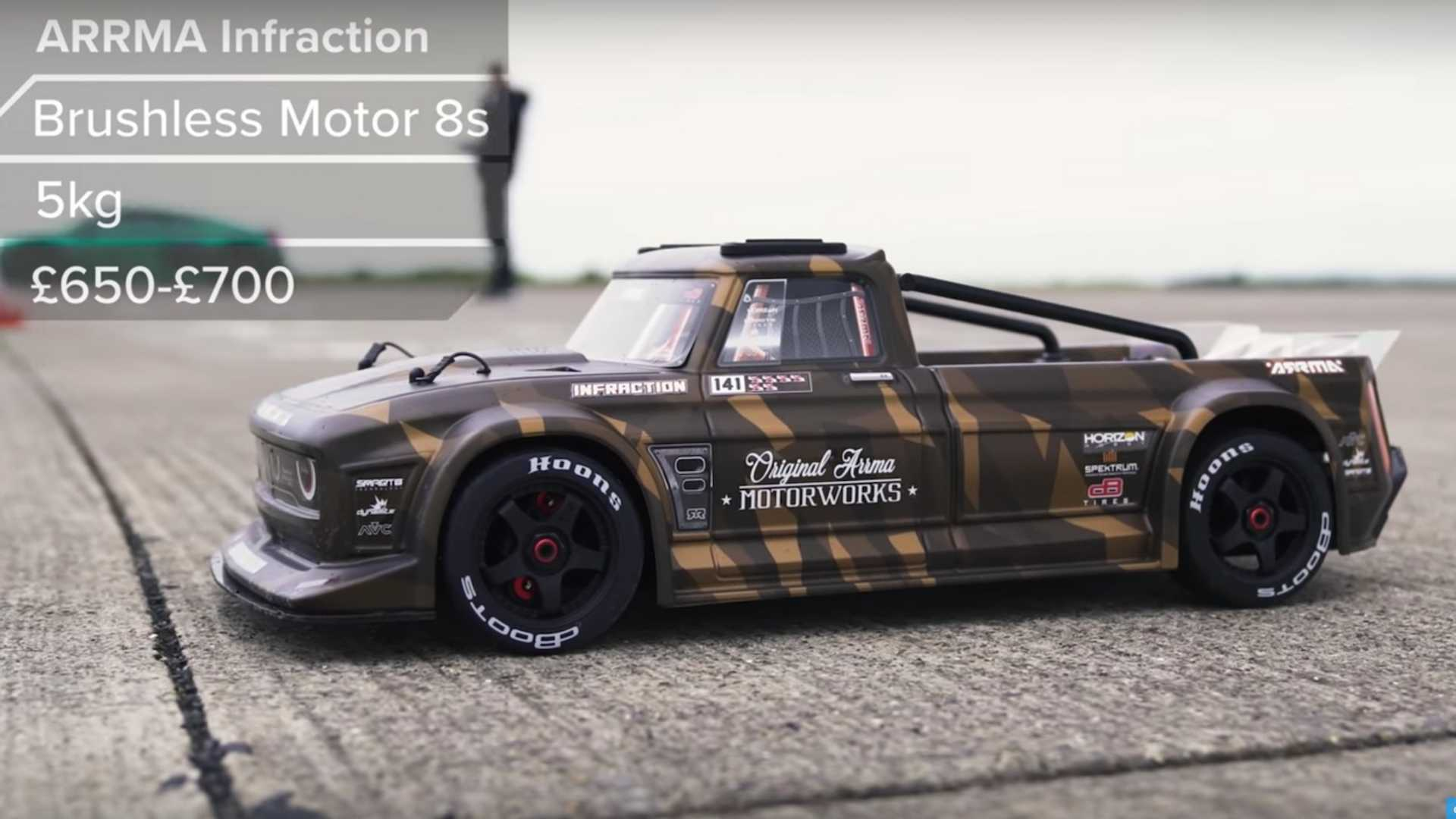 CarWOW surely wanted to try something new with this latest drag race! The team pitted an Audi R8 and a Mercedes-AMG G 63 up against a 1:7 toy replica of a pickup truck and a racing-spec aerial drone!