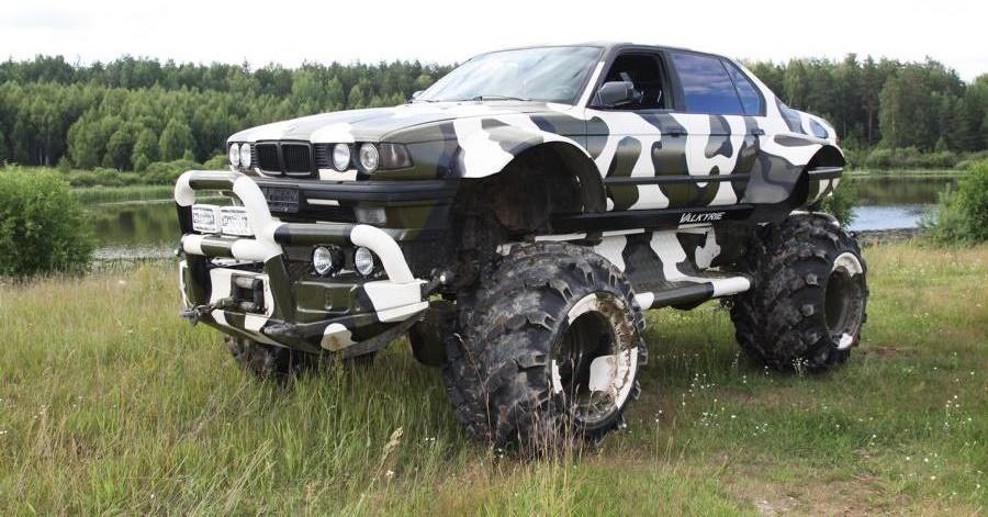 Have you seen a BMW E32 X7 4×4 modded like this before? We haven't, either. The monstrous ride was built in Russia against custom order by tourbigfoot.ru, a company that offers wilderness tours deep into the country. So it's not just for show, either.