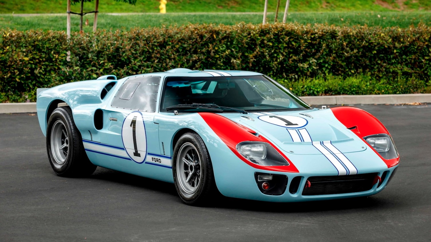 Mecum will be holding an auction in January 2020 dedicated to the modern replica of the classical Ford GT40 that Christian Bale used to drive in Ford vs. Ferrari.