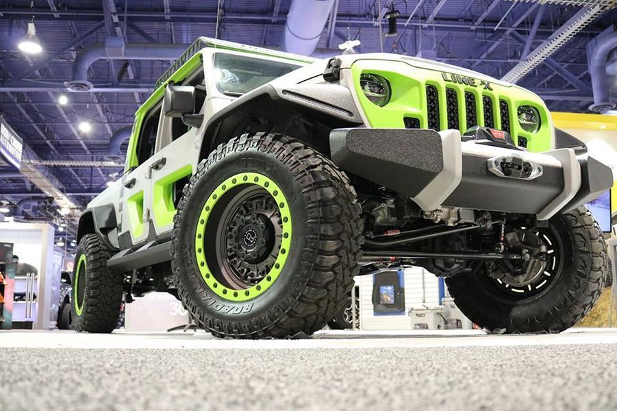Шоу SEMA-2019 уже завершилось, но не рассказать про этот Jeep Gladiator LINE-X было бы преступлением!
