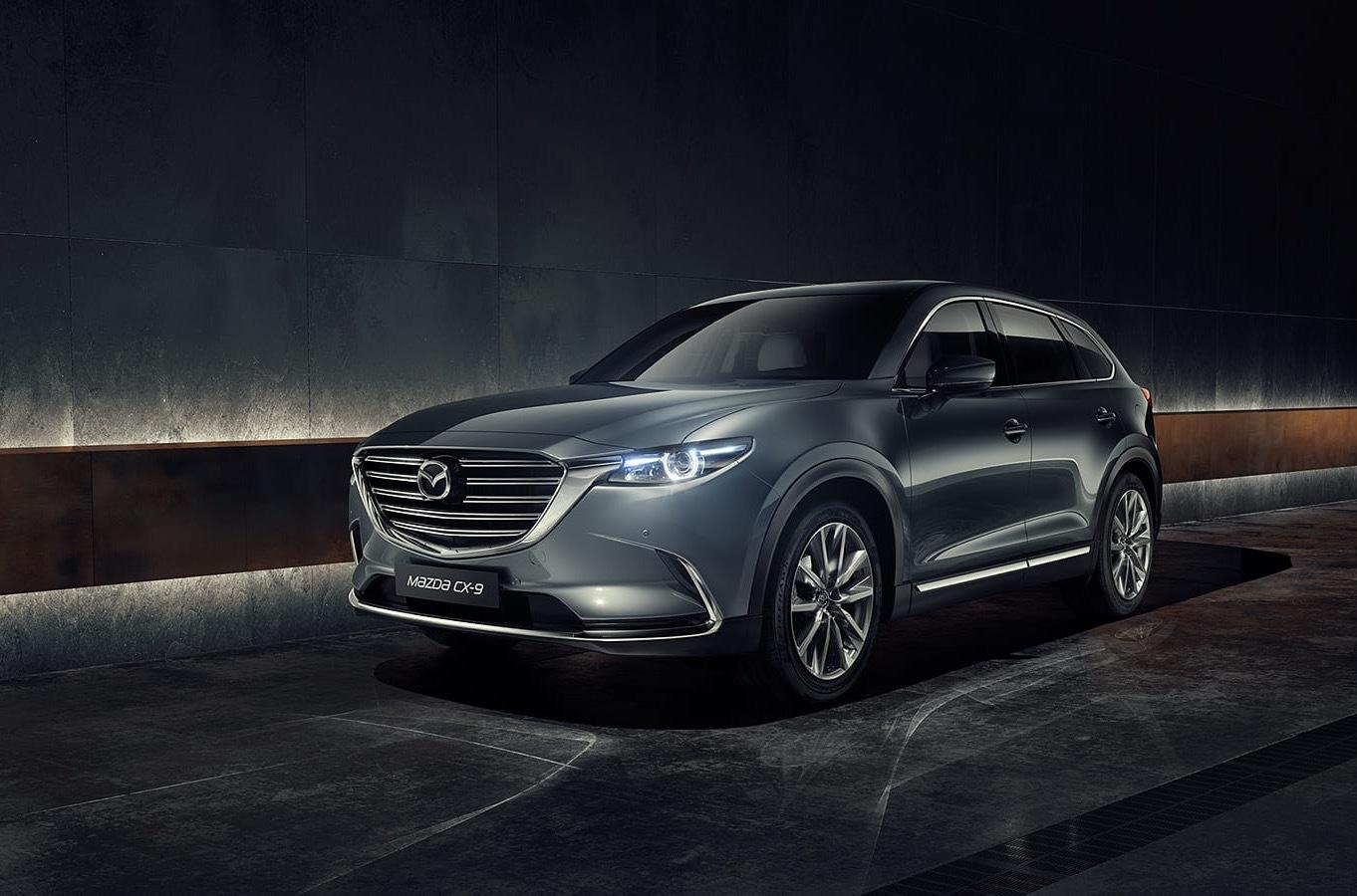 Continuing our overview of this year's LA Show, let us throw a glance at the 2020 Mazda CX-9 SUV that will soon reach the dealerships throughout the United States.