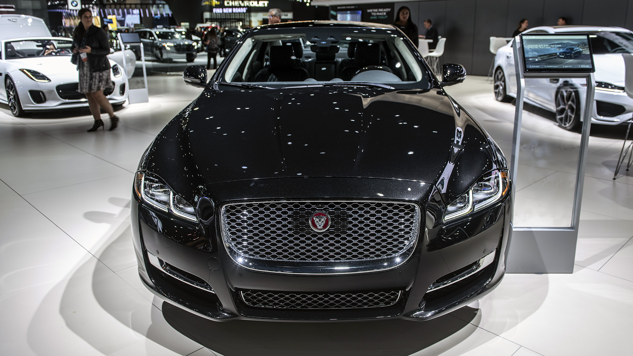 The XJ Collection celebrates the production end of Jaguar's flagship sedan/saloon. Whether to expect a replacement, and what kind of, remains unknown.