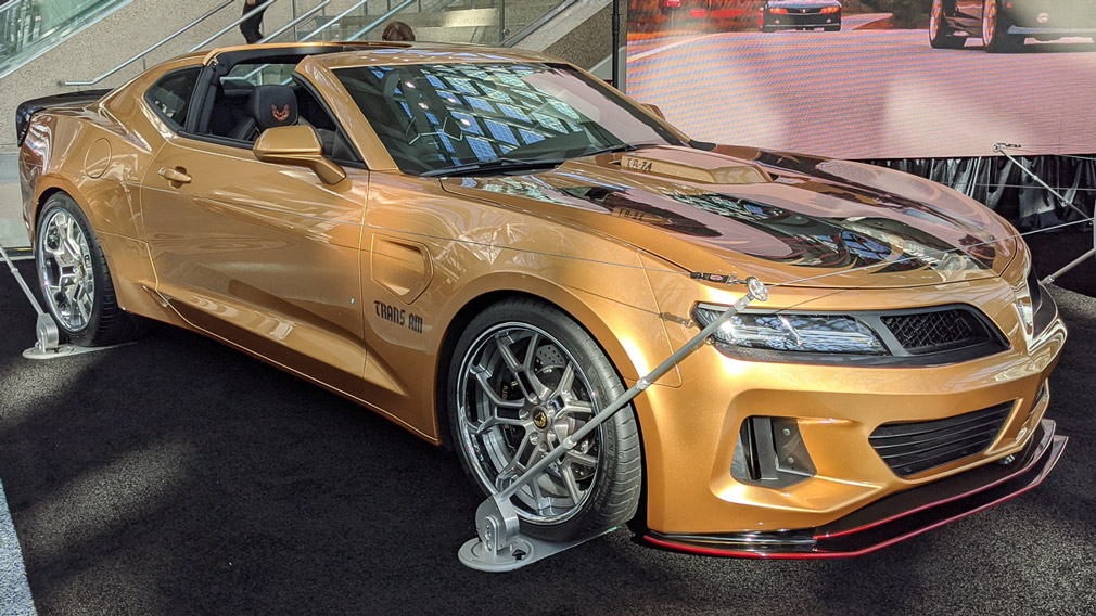 Pontiac has brought a collector's edition of its Firebird Trans Am sports car to the ongoing Los-Angeles Auto Show.