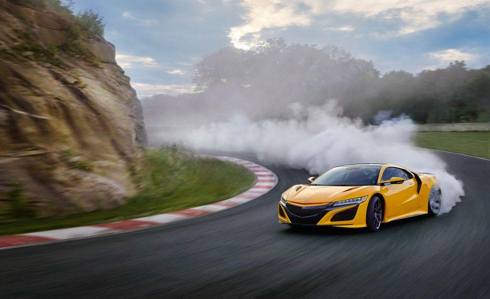 На мотор-шоу в Лос-Анджелесе японский автопроизводитель «Акура» рассекретил NSX 2020.