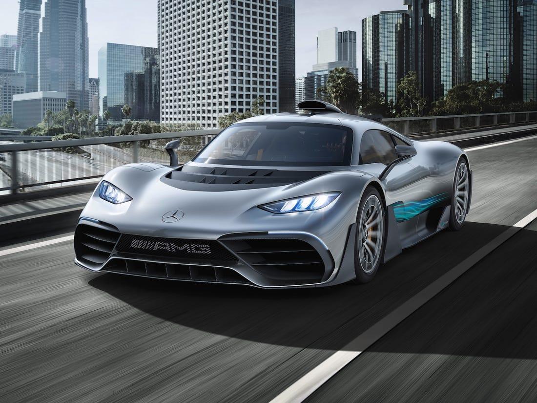 Mercedes-AMG продемонстрировал гиперкар One ещё пару лет назад, а продажи должны были начаться в нынешнем году. Однако различные проблемы заставили производителя перенести сроки, и лишь теперь немцы заявили, что трудности преодолены.