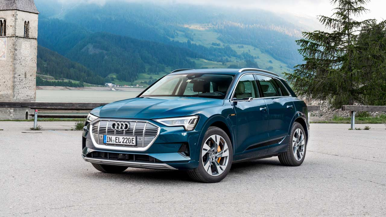 The Audi e-tron SUV series only hit production last year, but its first mid-generational refresh is already coming up with just one major change: longer battery life.