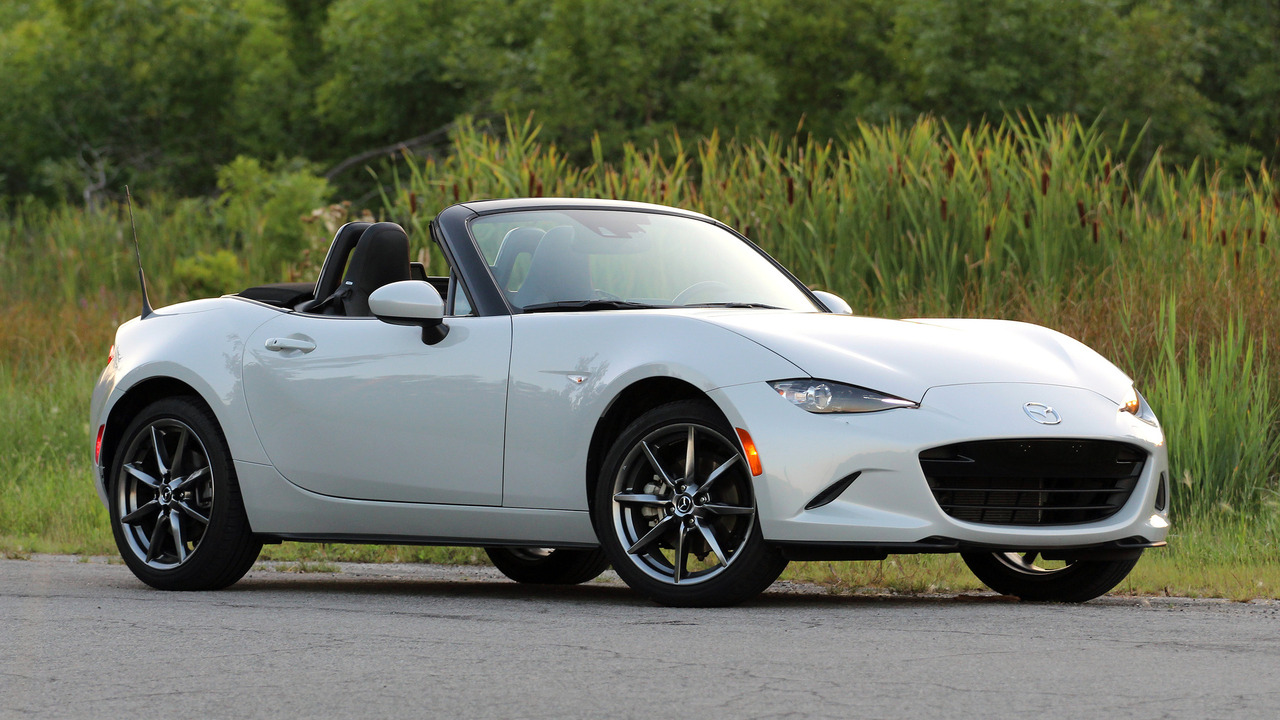 The Mazda MX-5 roadster series celebrates its 30th anniversary this year. The current generation is already four years old, so the company is looking for ways to bring it up to date with the latest trends.
