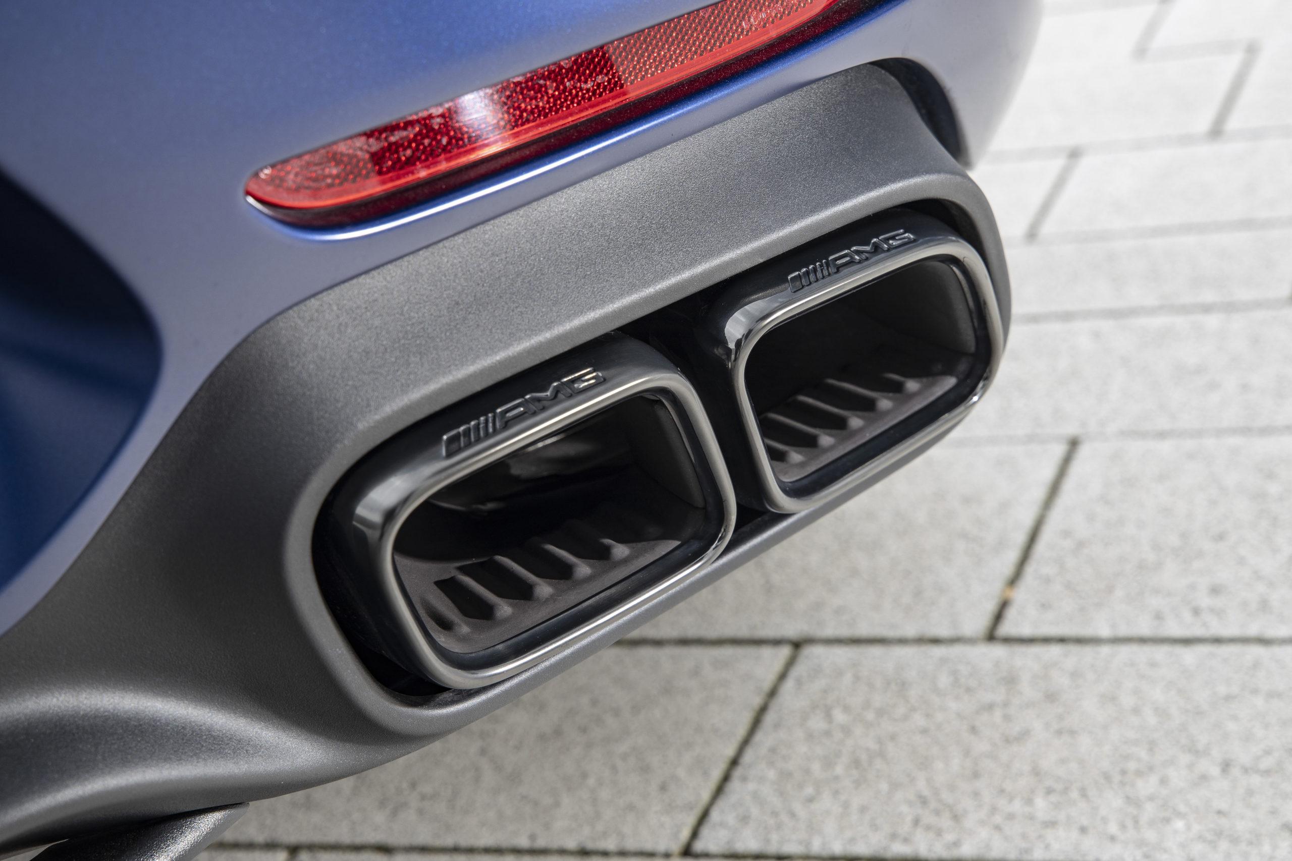 Все «заряженные» новинки Mercedes-AMG по умолчанию будут снабжены опцией под названием Emotion Start – «Эмоциональный старт».