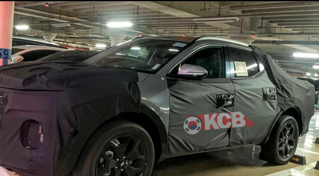 Некоторое время назад южнокорейский автопроизводитель «Хендай» официально подтвердил намерение выпустить пикап к 2021 году. А на днях в сети появился первый шпионский снимок закамуфлированного прототипа.