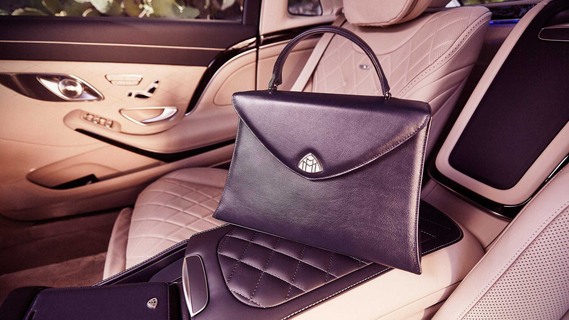 Icons of Luxury – the internal subdivision of the company dedicated to the releasing new deluxe options and accessories for the owners of Maybach vehicles – has just launched a new collection.