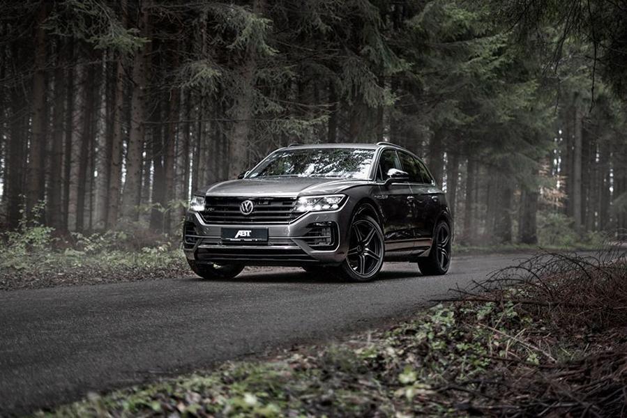 В прошлом году ателье ABT Sportsline выпустило 330-сильный вариант Volkswagen Touareg V6, а теперь подоспел апгрейд и для версии с «битурбовосьмеркой».