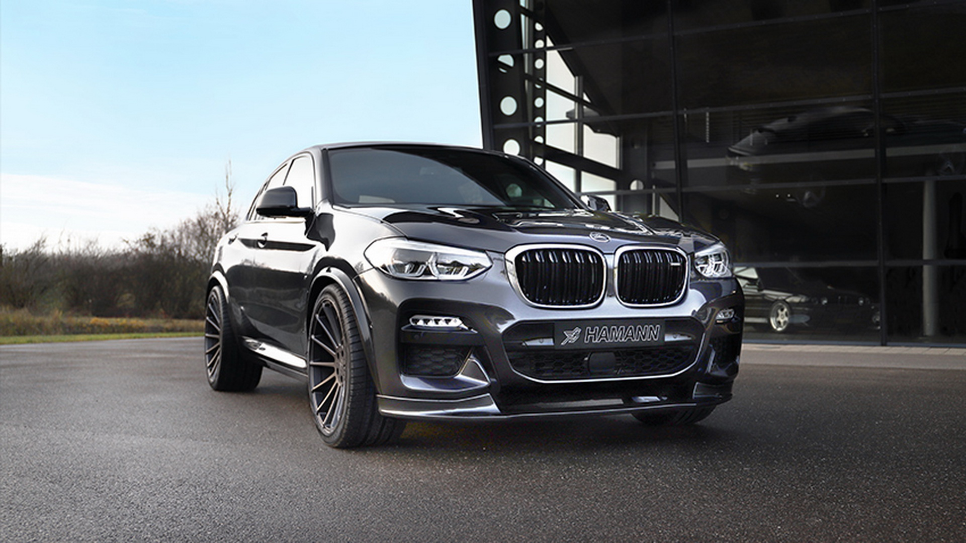 Many agree that the second generation of the BMW X4 is a failure in terms of design aesthetics, but tuners make money fixing such things, now don't they? Let's see what Hamann Motorsports has to say on the matter.