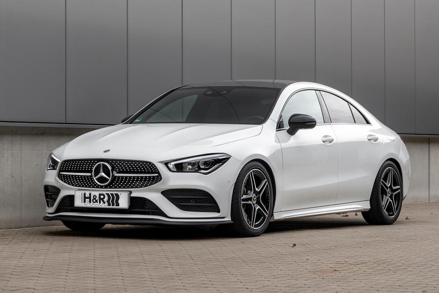 History knows many cases of carmakers trying to turn their successful hatchbacks into saloons and failing miserably. Mercedes-Benz was lucky enough to nail it with the A-Class -> CLA conversion, though. No wonder H&R released lowering springs for the model.