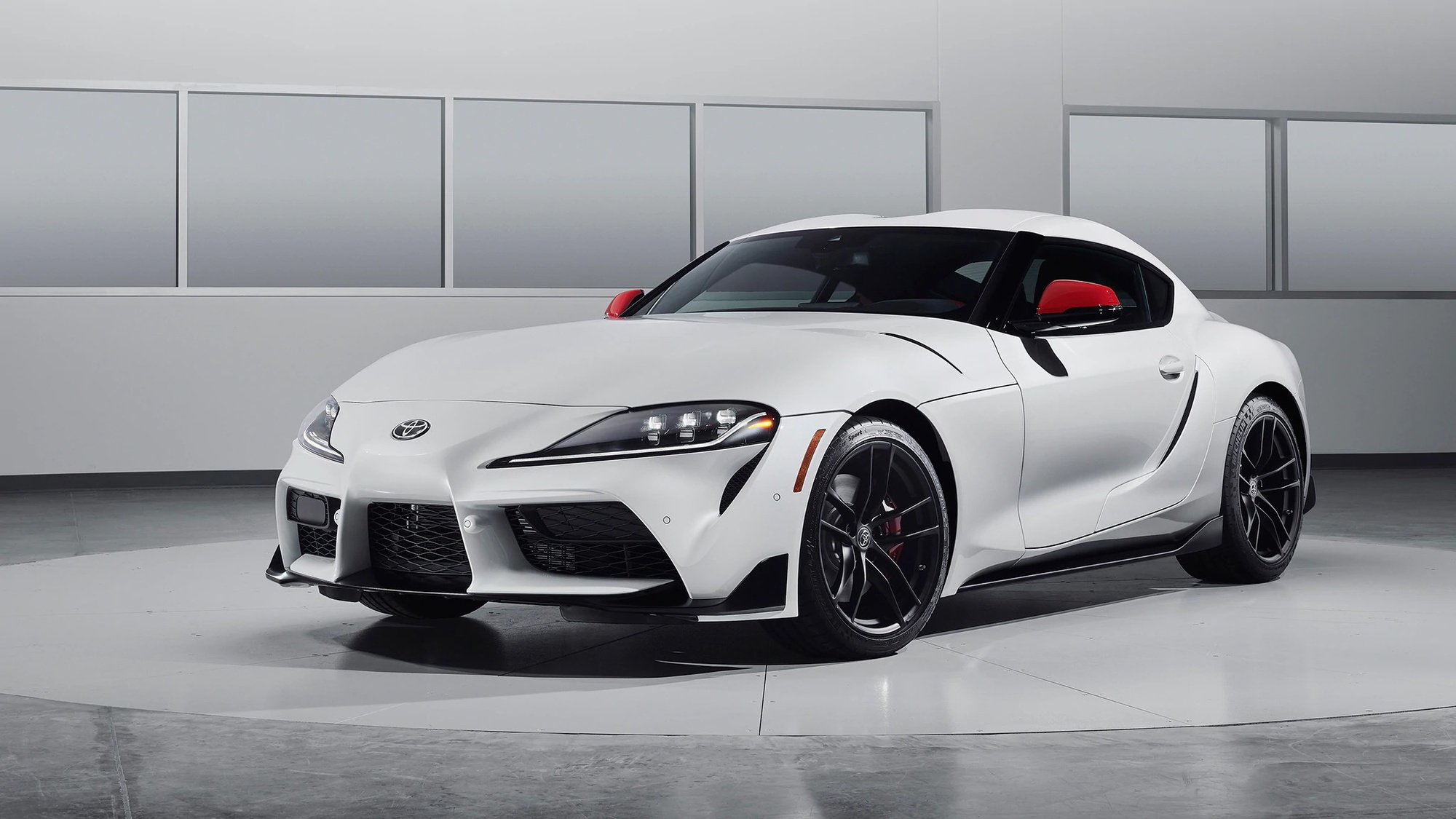 Toyota had originally intended to offer the four-cylinder engine version of its A90 Supra exclusively in Japan, but market demand made it change its mind. The entry-level Supra will launch in Europe in March 2020.