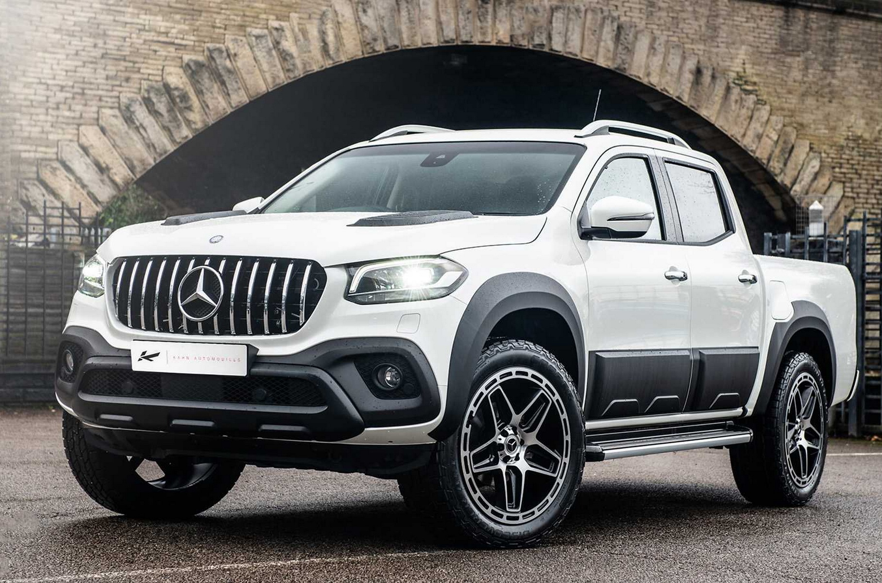 This is the second attempt by London-based tuner Kahn Design to liven up the exterior of the X-Class pickup.