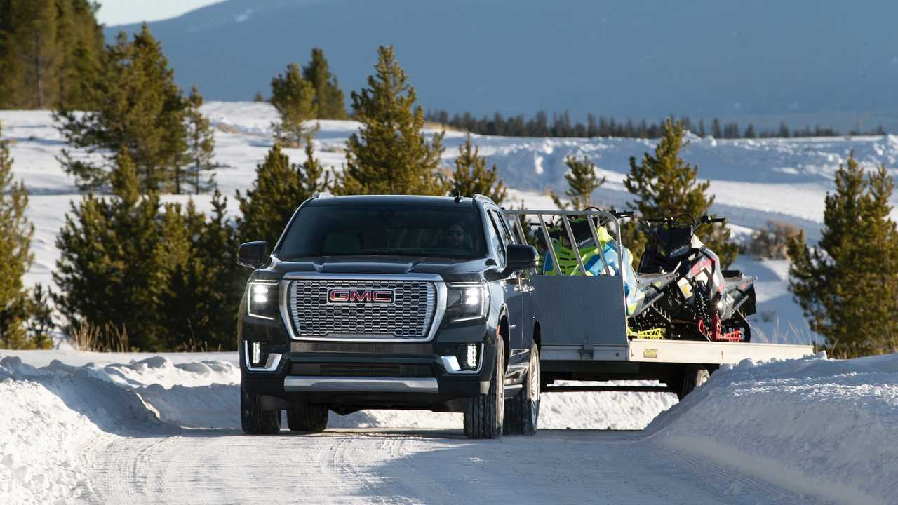 The GMC Yukon SUV has only recently changed generations. Like its technical siblings Chevrolet Tahoe and Suburban, it has debuted with a new turbocharged diesel engine and per-wheel rear suspension. Today, another feature called the Hurricane Turn was announced for the model.