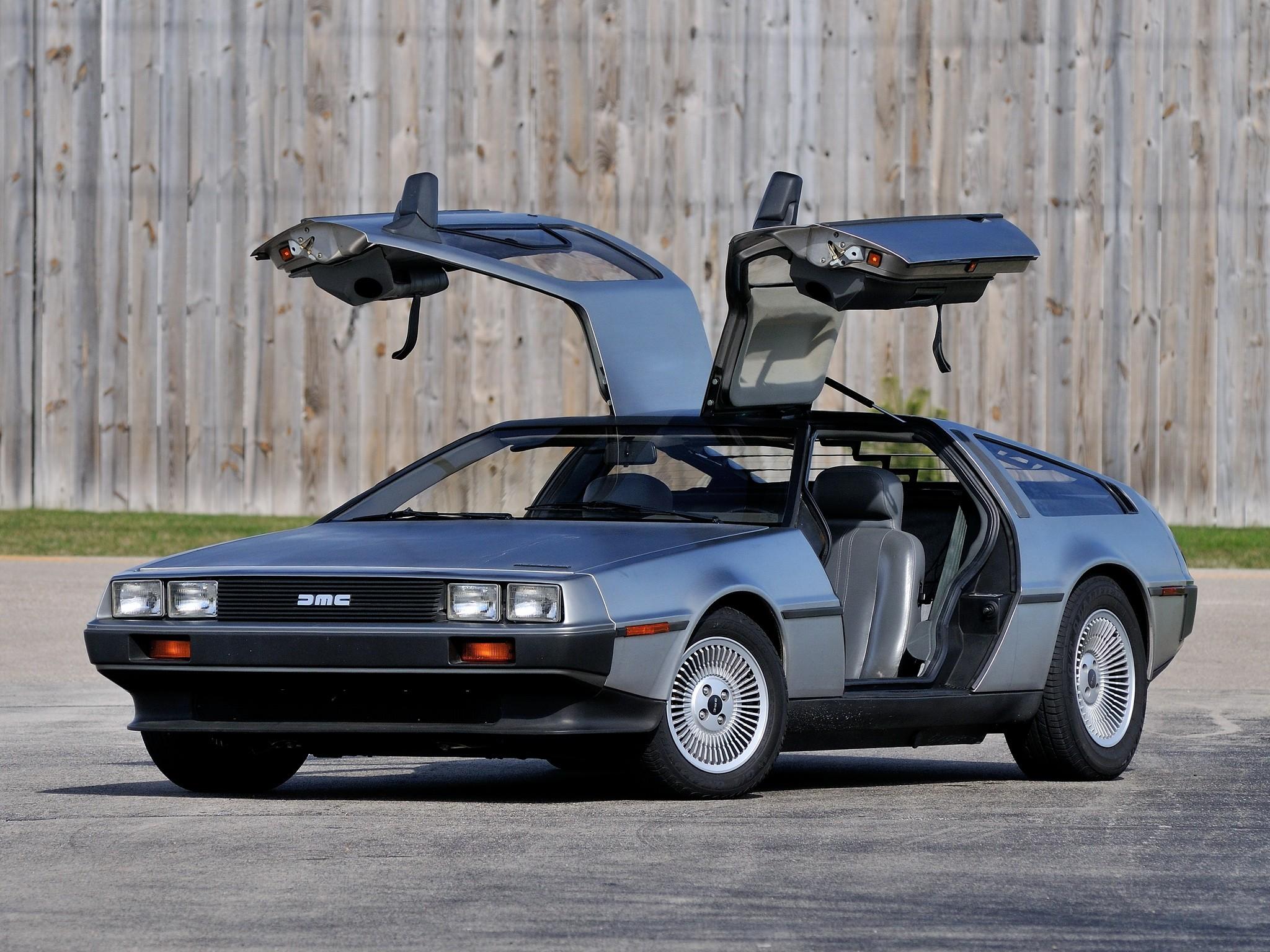 Компания Delorean Motor Company из Техаса в следующем году может запустить мелкосерийный выпуск доработанного DeLorean DMC-12, известного по кинокартине «Назад в будущее».