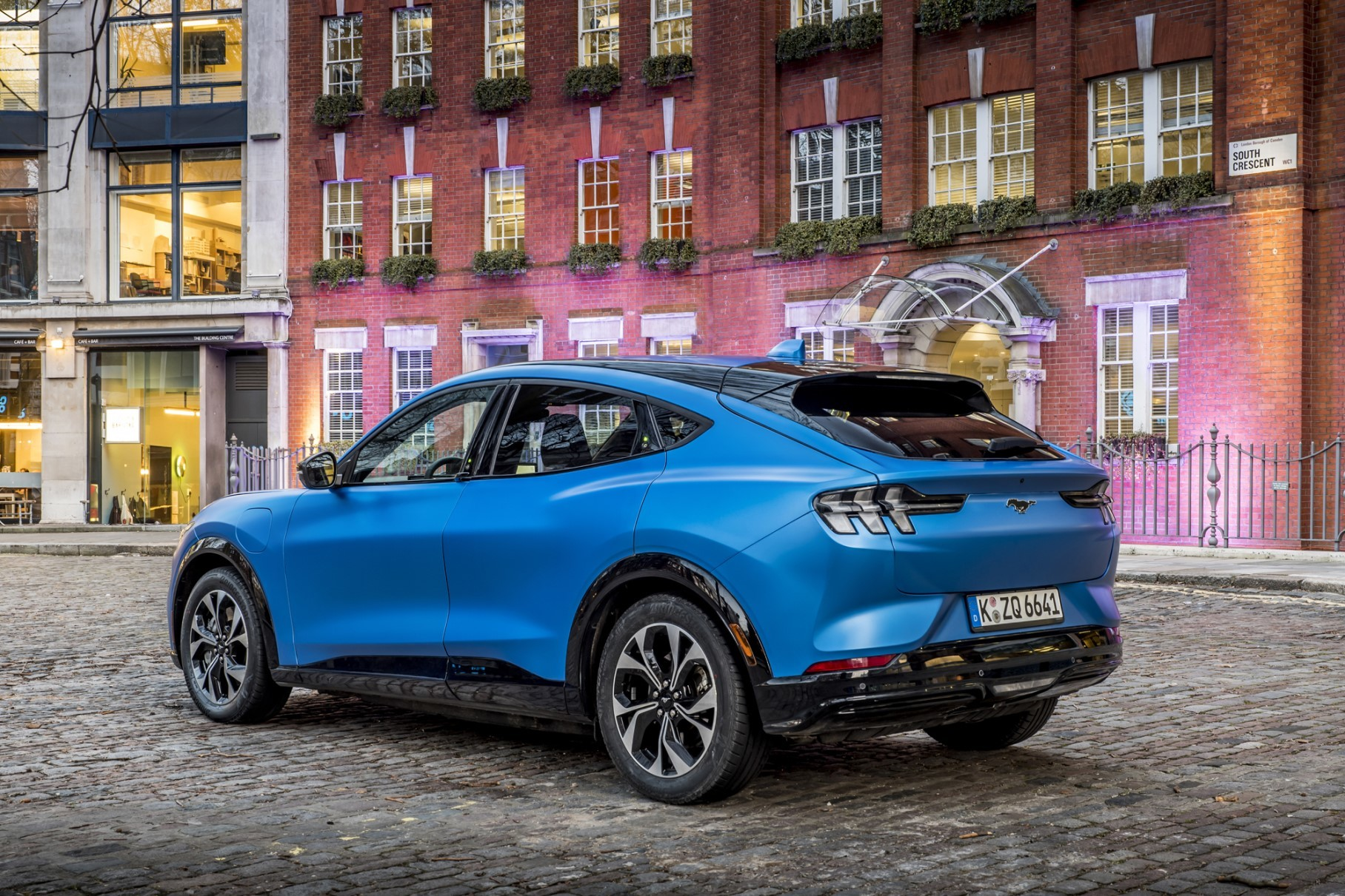 Ford has premiered its new all-electric SUV, the 'Mustang' Mach-E,  in London, Great Britain. Let us see what the European spec has of interest.