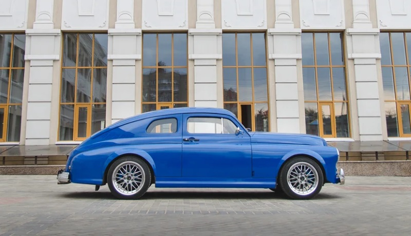 A man from Penza, Russia, has built this unique retro racecar with the looks of the legendary GAZ-M20 'Pobeda' – and is looking for buyers willing to part with mere 1,200,000 RUB ($18,500 USD).