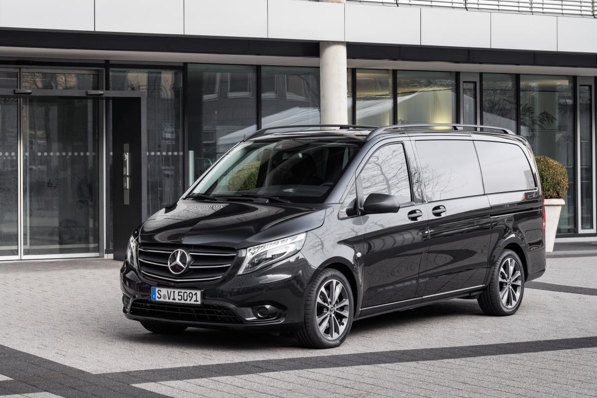 The deluxe Mercedes-Benz V-Class MPV went through a facelift last year, and the more affordably priced Vito and eVito Tourer follow suit now. The changes aren't limited to exterior and cabin and go as far as the powertrain and tech.