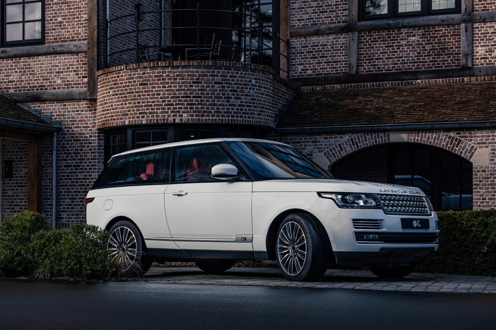 London-based Niels van Roij Design has announced the forthcoming production launch of the Adventum Coupe, an extensive Range Rover conversion with only three doors.