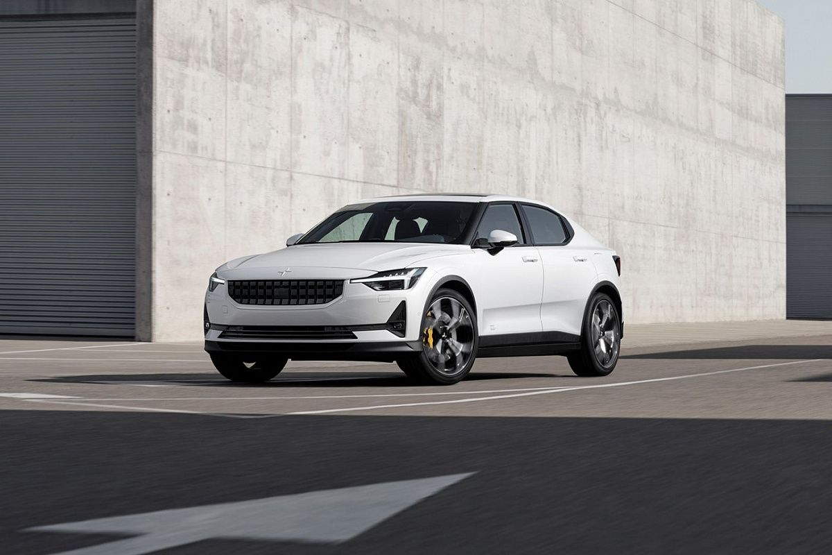 The all-electric Polestar 2 fastback celebrated its premiere more than a year ago, and today, Geely has finally proceeded to assemble it on its factory in China.