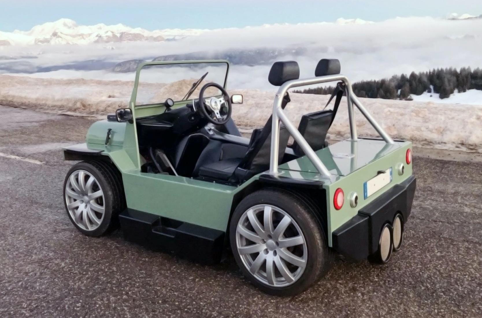 Компания Lazareth Auto-Moto (Франция) представила прототип Mini Moke с двигателем от итальянского Maserati.