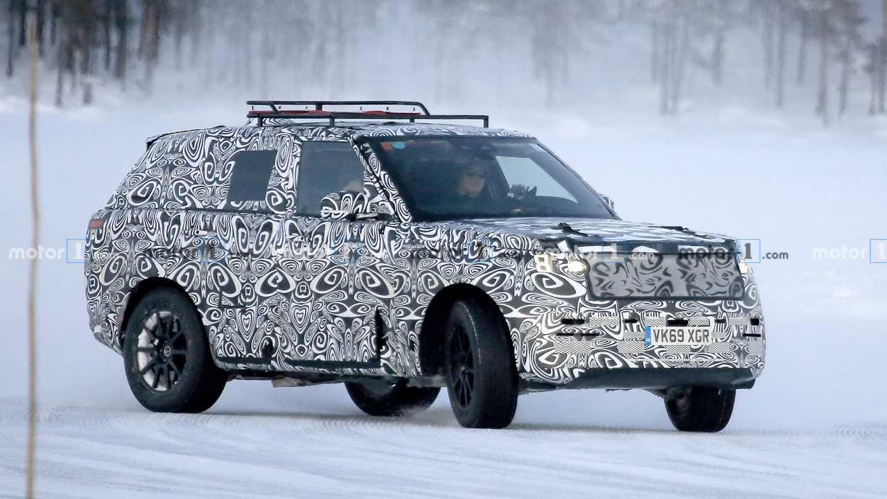 Уже в этом году Jaguar Land Rover покажет сразу две «умеренных» гибридных установки на базе шестицилиндровых дизелей объёмом три литра. Силовые агрегаты сменят 4,4-литровый дизельный мотор SDV8, известный ещё с тех времён, когда компания принадлежала «Форду».