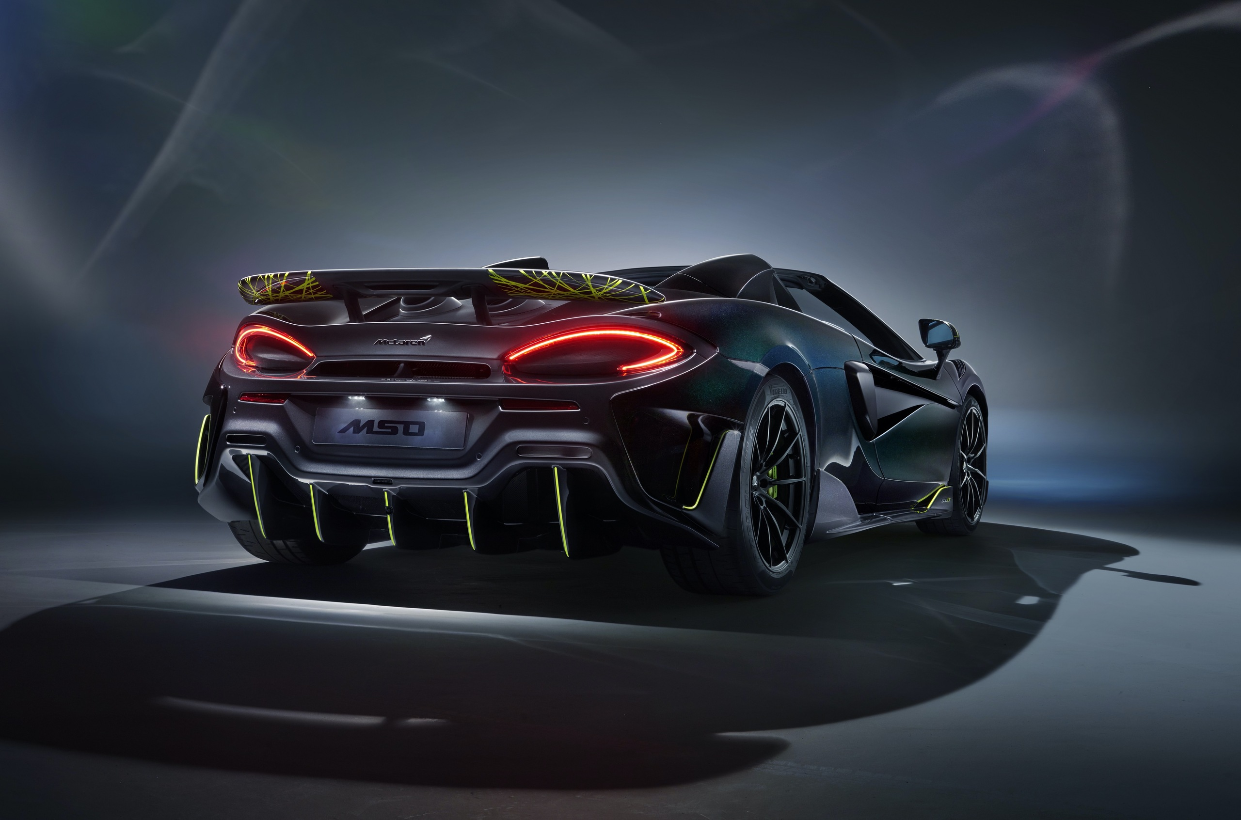 McLaren and MSO have joined efforts to produce McLaren 600LT Spider Segestria Borealis, the farewell edition of the British roadster meant for sale in the United States. The batch consists of only 12 cars and borrows its name from the infamously deadly tube web spider.
