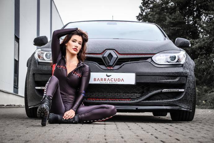 German tuner JMS Fahrzeugteile rarely tackles large-scale tuning projects, preferring to achieve the greatest effect with the least means possible. Let's see how that works out with this Renault Mégane RS.