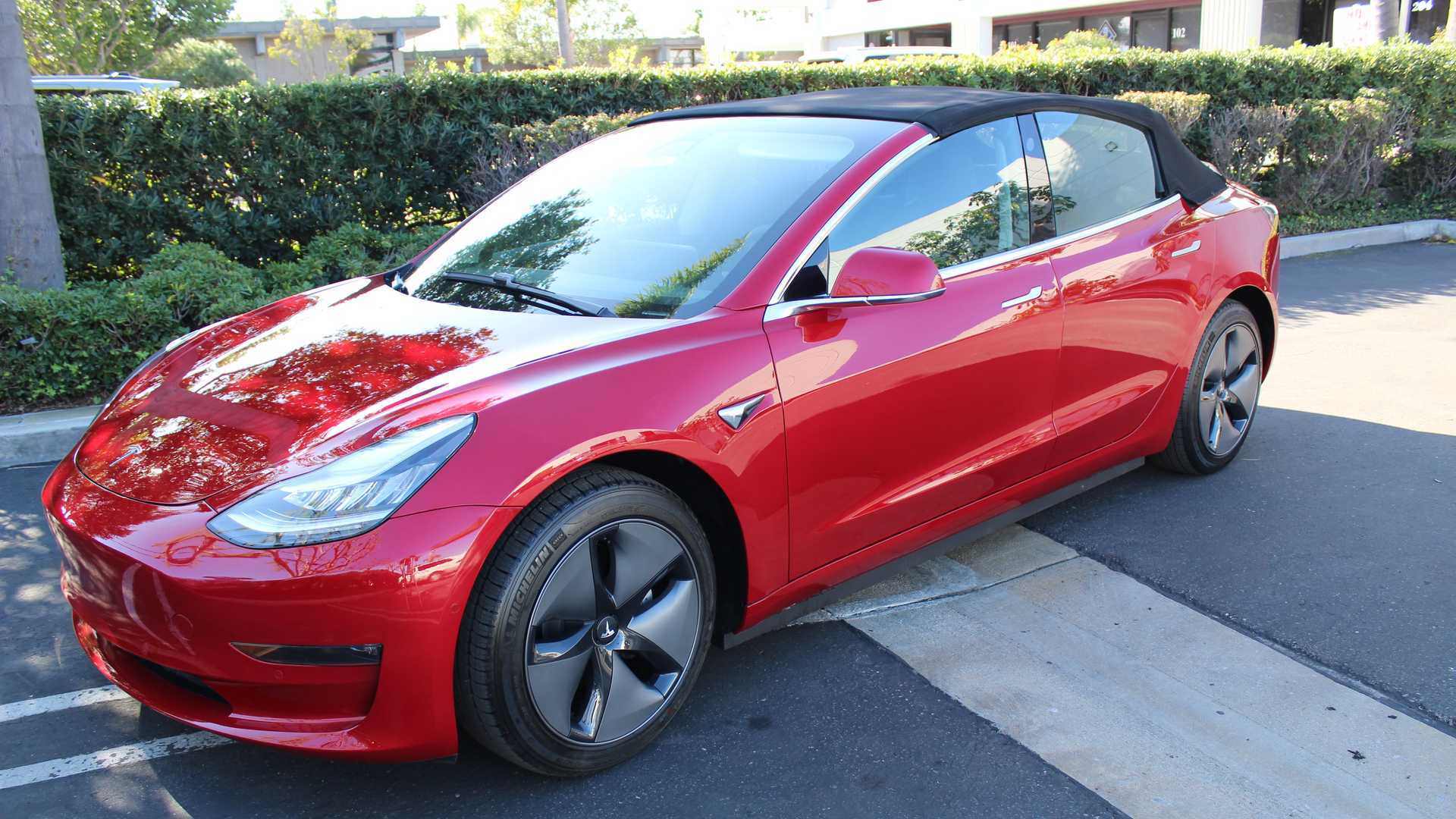 Американские тюнеры из ателье Newport Convertible Engineering представили кабриолет на основе Tesla Model 3. Удивляет не только объём работы, но и цена: за модернизацию попросят практически столько же, сколько стоит сама машина.