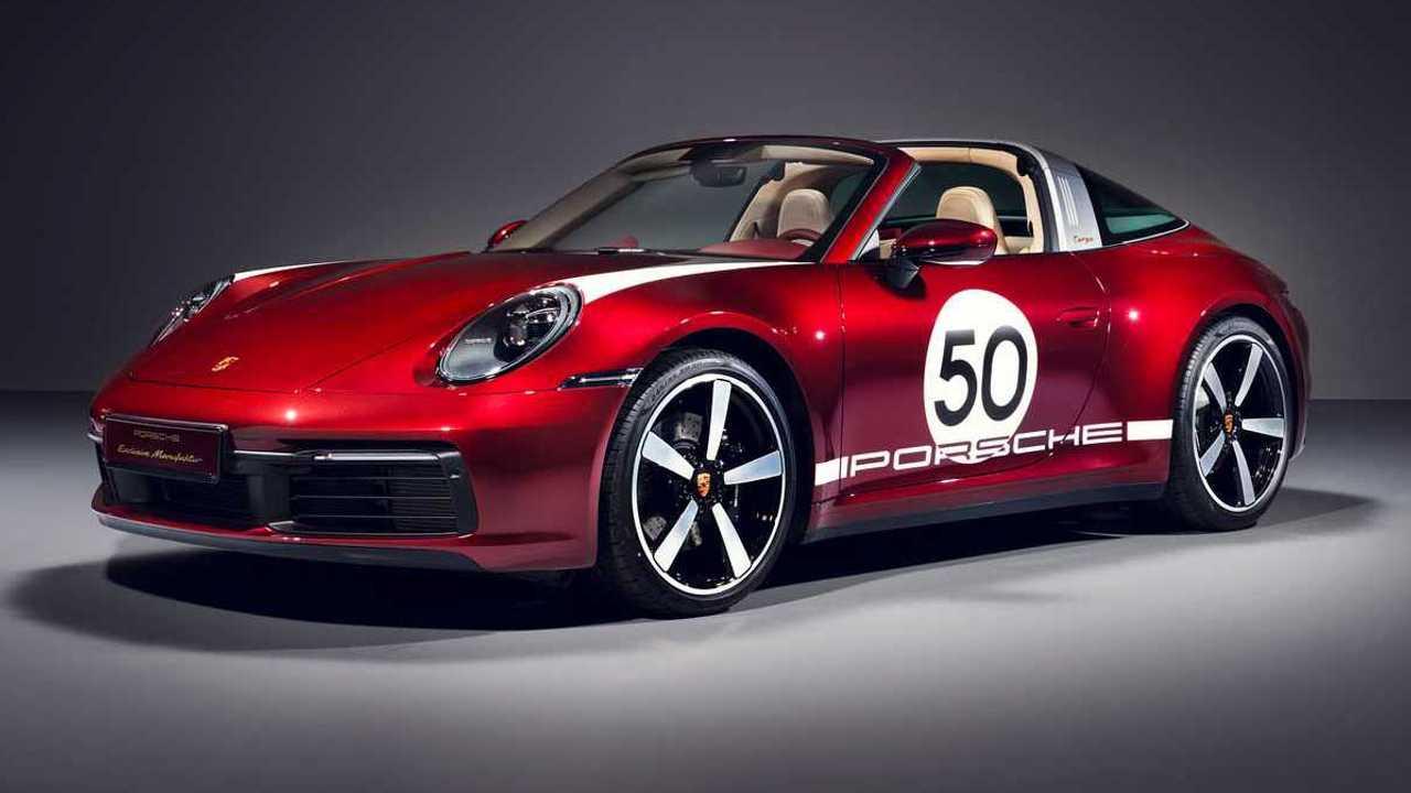 Новый Porsche 911 обзавёлся кузовом тарга всего пару недель назад, а уже сейчас немцы подготовили особую версию новинки – Heritage Design Edition. Она рассчитана на коллекционеров и любителей старины.