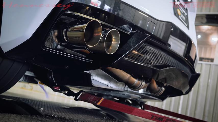 Тюнинг-ателье Hennessey Performance, славящееся своими экстремальными проектами, выпустило кастомный выхлопной тракт для Chevrolet Corvette C8. Но не спешите с выводами: агрегат далеко не так прост, как кажется.