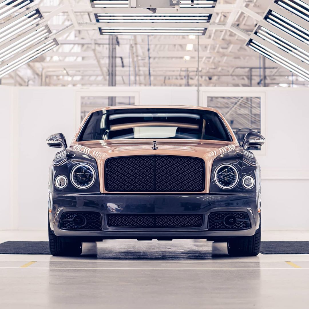 Bentley has wrapped up the production of its iconic luxury saloon Mulsanne at the factory in Crewe, England.