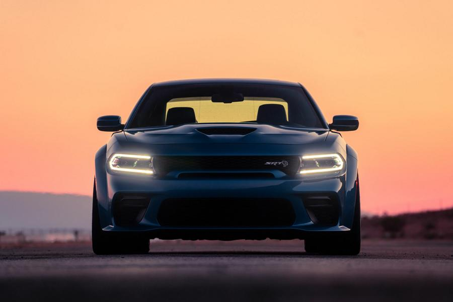 Hennessey Performance has made its HPE1000 power kit available for the latest Dodge Charger SRT Hellcat. The car preserves its stock appearance and aero kit while getting 1,000 horsepower (745 kilowatts).
