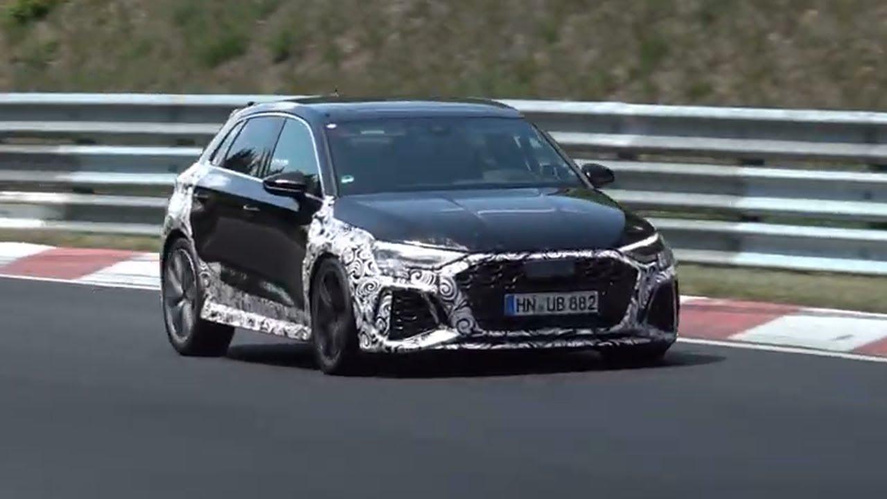 Готовящийся к выходу Audi RS3 2021 года накануне был заснят фотошпионами. В видео слышно, что звук выхлопа стал более агрессивный.