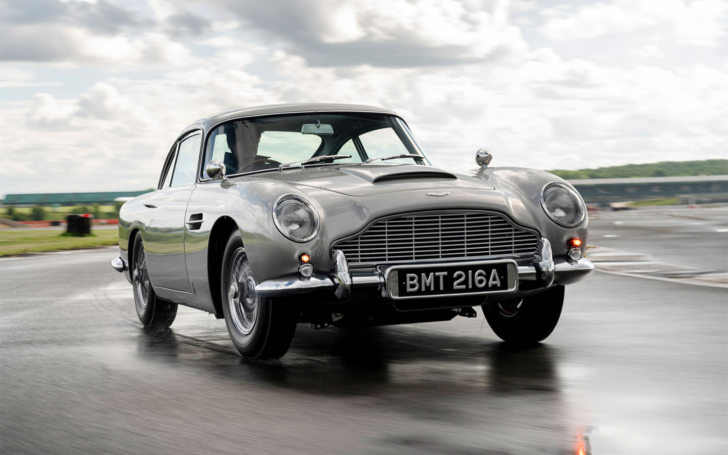 Aston Martin Heritage has finished working on the first DB5 vehicle themed after Agent 007's car of choice from the Goldfinger movie. A total of 25 units will be produced, and this specific example costs £2,750,000.
