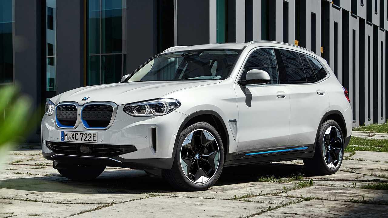 Как и ожидалось, компания BMW превратила X3 в электромобиль: официально представлен батарейный кроссовер iX3.