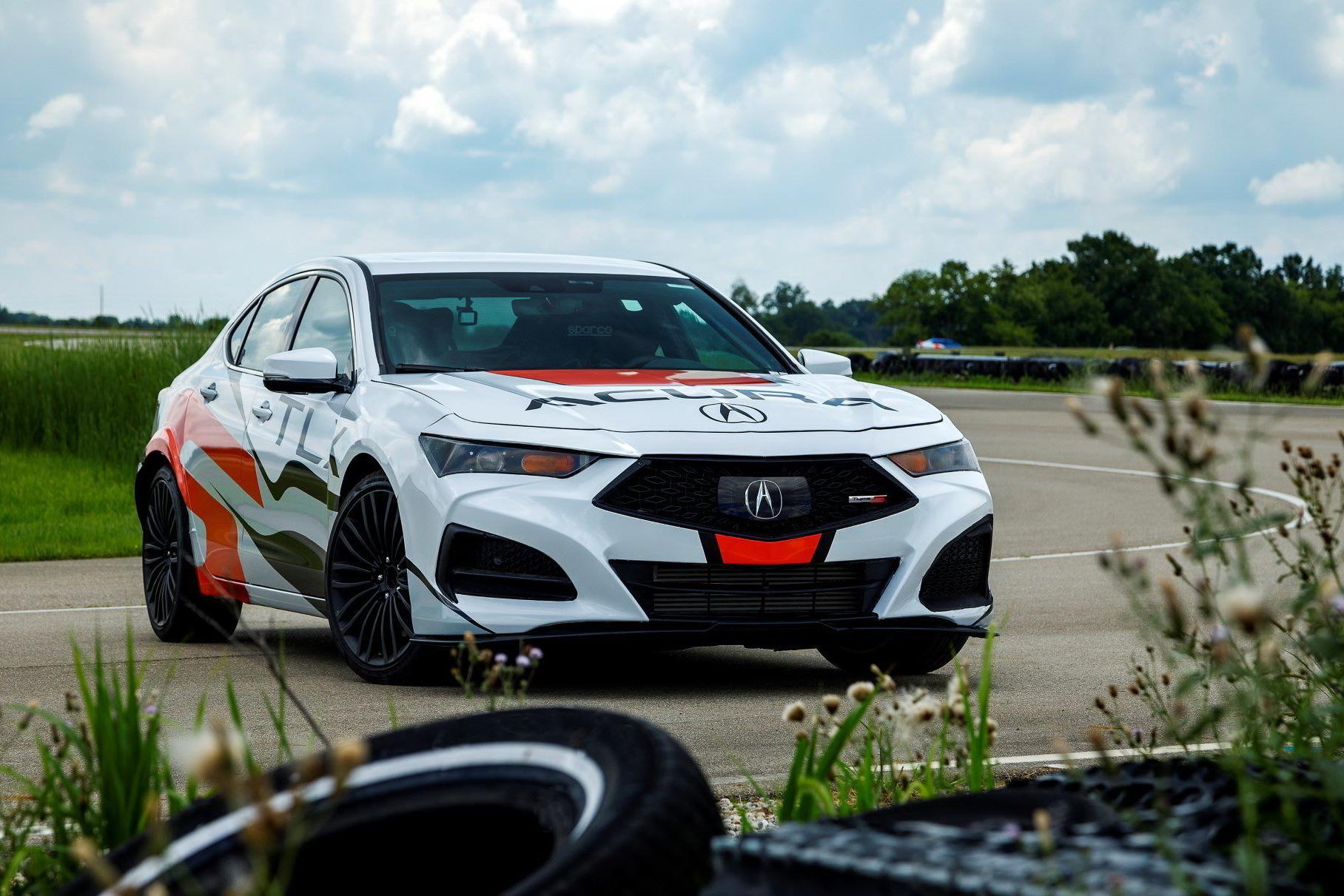 Японский автомобилестроитель «Хонда» рассекретил характеристики V-образного турбо с шестью цилиндрами объемом 3,0 литра, которым будут оснащать «заряженные» Acura Type S.