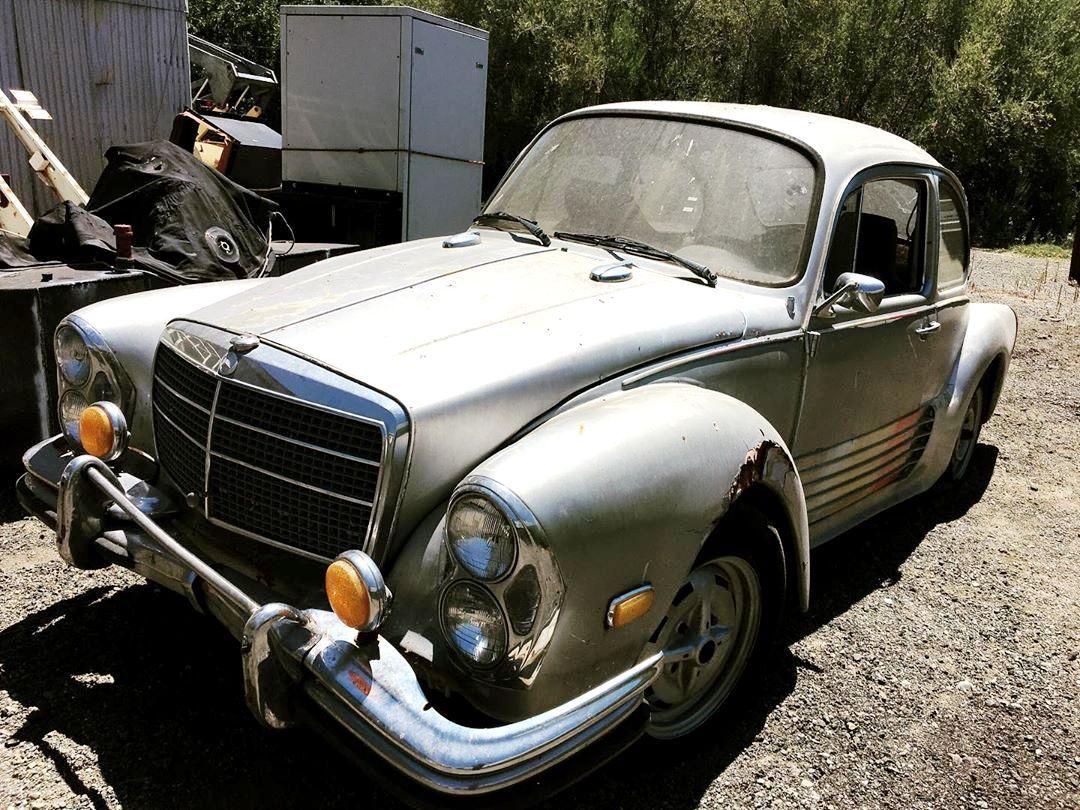 На одной из немецких свалок неожиданно обнаружился оригинальный автомобиль – «помесь» классического Volkswagen Beetle и «Мерседеса» W108.