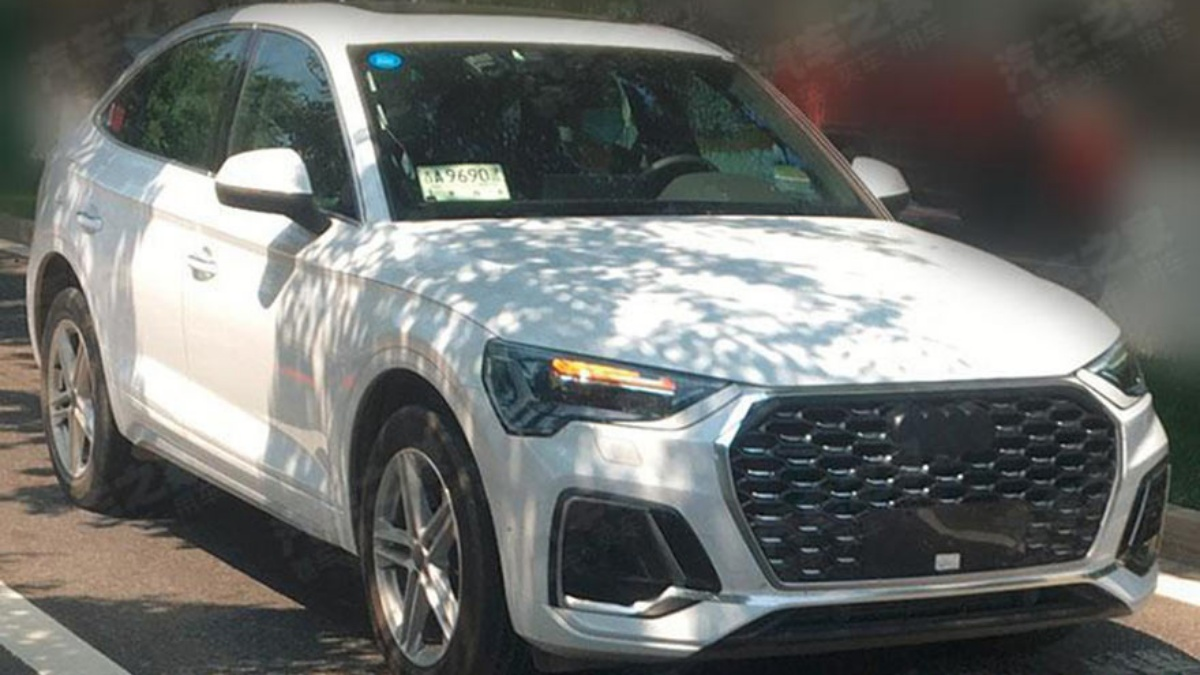 Media learned that Audi was going to complement the Q5 range with a fashionable coupe/SUV version a few months ago, and today, camera people tracked down a barely disguised pre-production test vehicle.