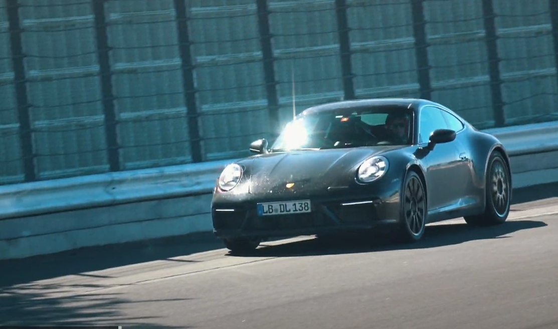 It looks like Porsche is determined to keep expanding the 911.992 range: yet another modification of the sports car unexpectedly turned up at the Nürburgring.
